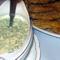 merluza frita con salsa tartara