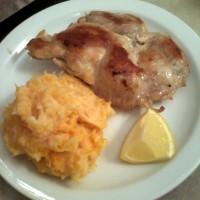 pollo deshuesado a la plancha con puré mixto
