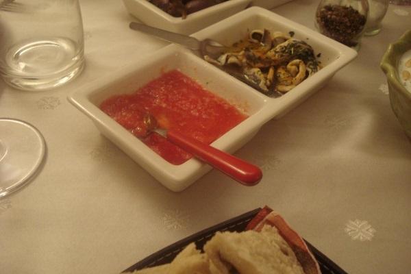 boquerones y tomate rallado para el pancito....