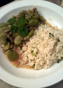 arroz-blanco-al-verdeo-con-guiso-de-habas-y-cordero